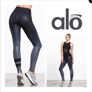 Alo ombré gray and black leggings